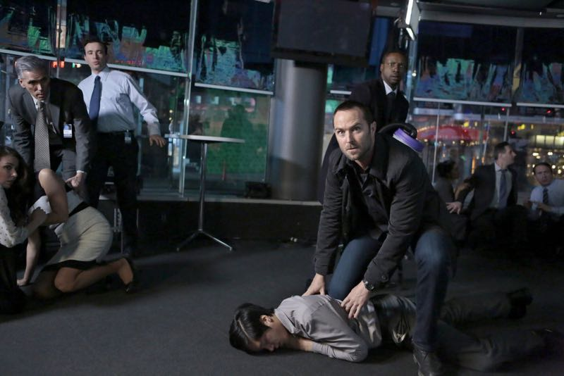 """BLINDSPOT -- """"Any Wounded Thief"""" Episode 116 -- Pictured: (l-r) Sullivan Stapleton as Kurt Weller, Rob Brown as Edgar Reed -- (Photo by: Giovanni Rufino/NBC)"""
