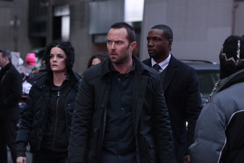 """BLINDSPOT -- """"Any Wounded Thief"""" Episode 116 -- Pictured: (l-r) Jaimie Alexander as Jane Doe, Sullivan Stapleton as Kurt Weller, Rob Brown as Edgar Reed -- (Photo by: Giovanni Rufino/NBC)"""