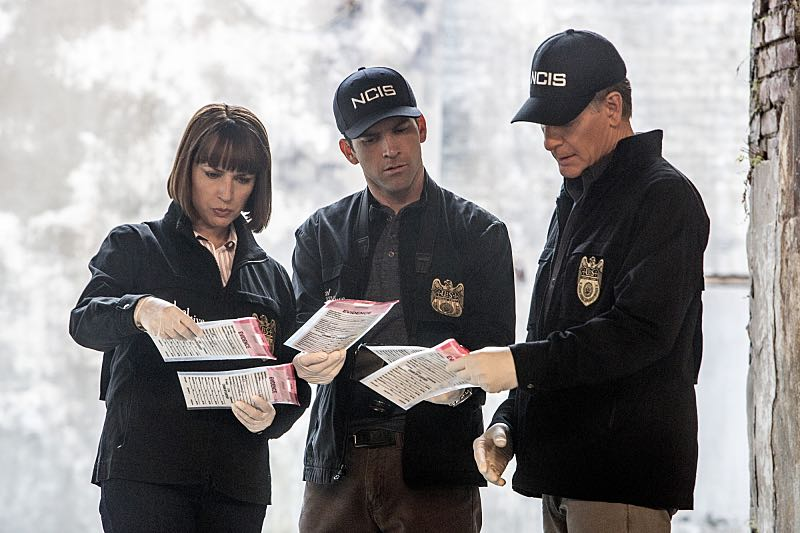 """Means to an End"" -- The NCIS team discovers a surveillance van filled with photos documenting Special Agent Pride's every move after his daughter Laurel is attacked on campus and placed in protective custody, on NCIS: NEW ORLEANS, Tuesday, March 22 (9:00-10:00 PM, ET/PT), on the CBS Television Network. Pictured L-R: Julie Ann Emery as NCIS Special Agent Karen Hardy, Lucas Black as Special Agent Christopher LaSalle, and Scott Bakula as Special Agent Dwayne Pride Photo: Skip Bolen/CBS ©2016 CBS Broadcasting, Inc. All Rights Reserved"