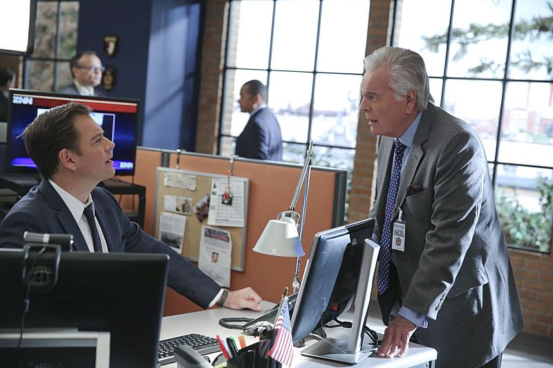 """Reasonable Doubts"" -- Anthony DiNozzo, Sr. (Robert Wagner, right) helps a homeless woman who believes he is her father, on NCIS, Tuesday, March 22 (8:00-9:00 PM, ET/PT), on the CBS Television Network. Pictured left to right: Michael Weatherly and Robert Wagner Photo: Cliff Lipson/CBS ©2016 CBS Broadcasting, Inc. All Rights Reserved"