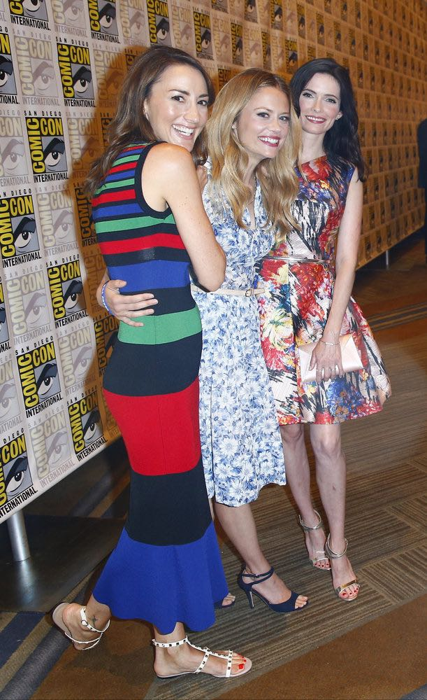 "COMIC-CON INTERNATIONAL: SAN DIEGO 2016 -- ""Grimm Panel and Press Room"" -- Pictured: (l-r) Bree Turner, Claire Coffee, Bitsie Tulloch, Friday, July 22, 2016, from the Hilton Bayfront, San Diego, Calif. -- (Photo by: Mark Davis/NBC)"