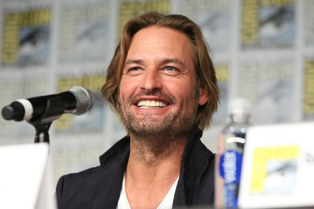 """COMIC-CON INTERNATIONAL: SAN DIEGO -- """"Colony Panel"""" -- Pictured: Josh Holloway -- (Photo by: Evans Vestal Ward/USA Network)"""