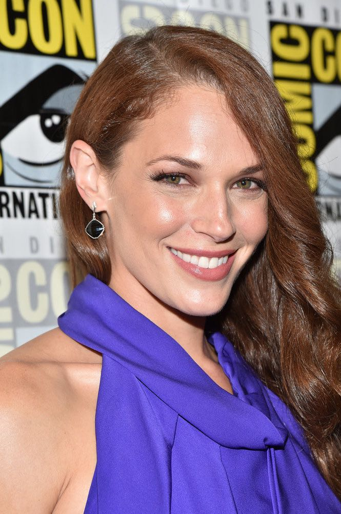 "COMIC-CON INTERNATIONAL: SAN DIEGO -- ""Colony Press Room"" -- Pictured: Amanda Righetti -- (Photo by: Mike Windle/USA Network)"