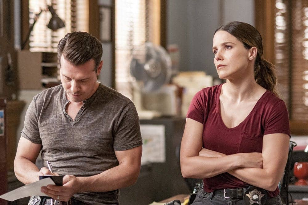 "CHICAGO P.D. -- ""Big Friends Big Enemies"" Episode 403 -- Pictured: (l-r) Jon Seda as Antonio Dawson, Sophia Bush as Erin Lindsay -- (Photo by: Matt Dinerstein/NBC)"