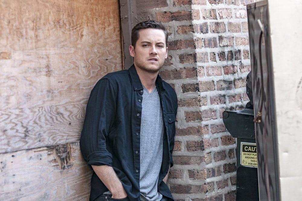 "CHICAGO P.D. -- ""Big Friends Big Enemies"" Episode 403 -- Pictured: Jesse Lee Soffer as Jay Halstead -- (Photo by: Matt Dinerstein/NBC)"