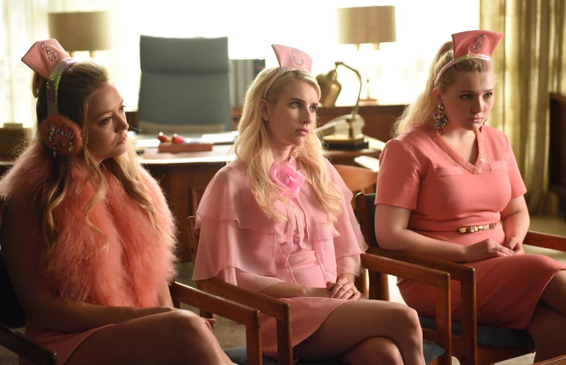 """SCREAM QUEENS: L-R: Billie Lourd, Emma Roberts and Abigail Breslin in the all-new """"Handidates"""" episode of SCREAM QUEENS airing Tuesday, Oct. 11 (9:01-10:00 PM ET/PT) on FOX. Cr: Michael Becker / FOX. © 2016 FOX Broadcasting Co."""
