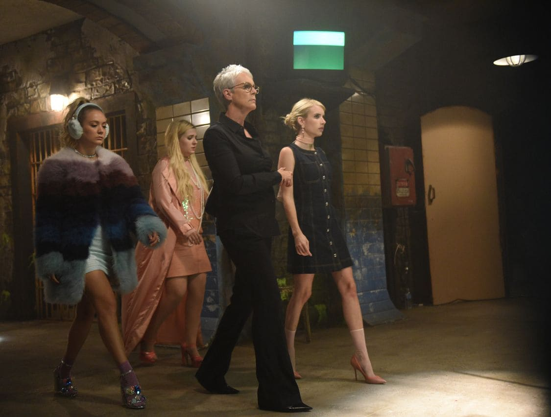 """SCREAM QUEENS: L-R: Billie Lourd, Abigail Breslin, Jamie Lee Curtis and Emma Roberts in the all-new """"Handidates"""" episode of SCREAM QUEENS airing Tuesday, Oct. 11 (9:01-10:00 PM ET/PT) on FOX. Cr: Michael Becker / FOX. © 2016 FOX Broadcasting Co."""