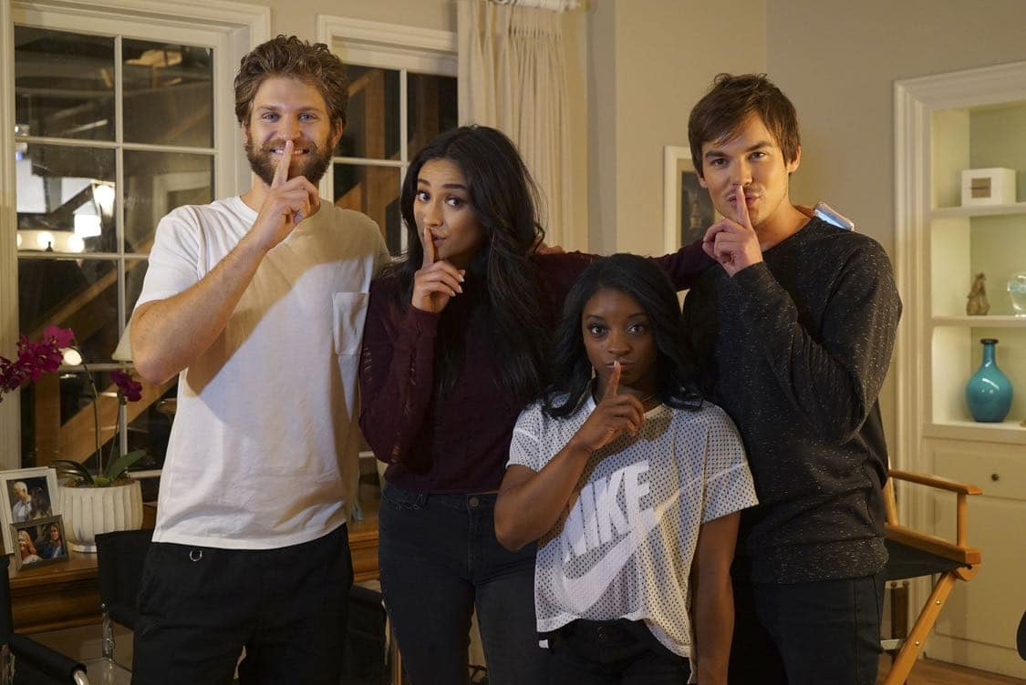 "PRETTY LITTLE LIARS - USA Olympic gold medal gymnast Simone Biles visits the set of 'Pretty Little Liars.'"" (Freeform/Byron Cohen) KEEGAN ALLEN, SHAY MITCHELL, SIMONE BILES, TYLER BLACKBURN"