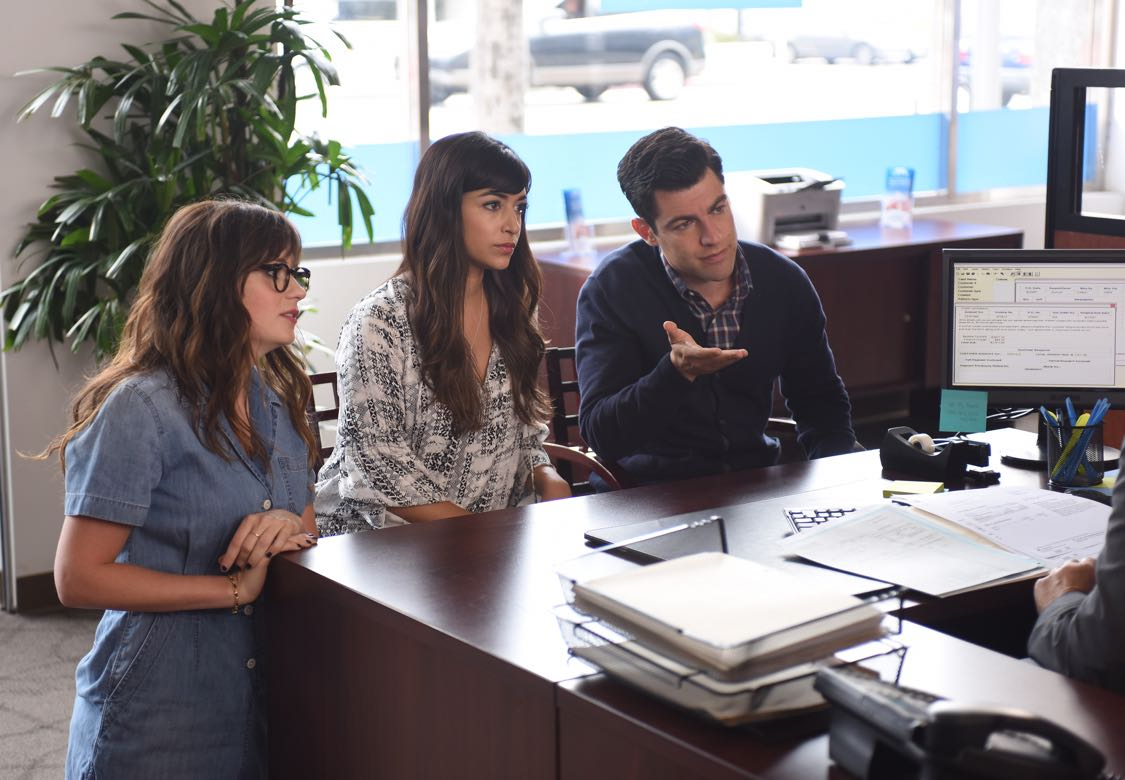 """NEW GIRL:  L-R:  Zooey Deschanel, Hannah Simone and Max Greenfield in the """"House Hunt"""" season premiere episode of NEW GIRL airing Tuesday, Sept. 20 (8:30-9:00 PM ET/PT) on FOX.  ©2016 Fox Broadcasting Co.  Cr:  Ray Mickshaw/FOX"""