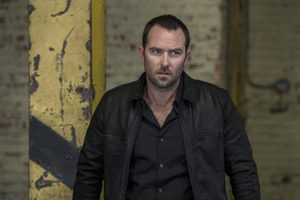 "BLINDSPOT -- ""Do Not Slack, the Featherweight Wins"" Episode 208 -- Pictured: Sullivan Stapleton as Kurt Weller -- (Photo by: David Giesbrecht/Warner Bros/NBC)"