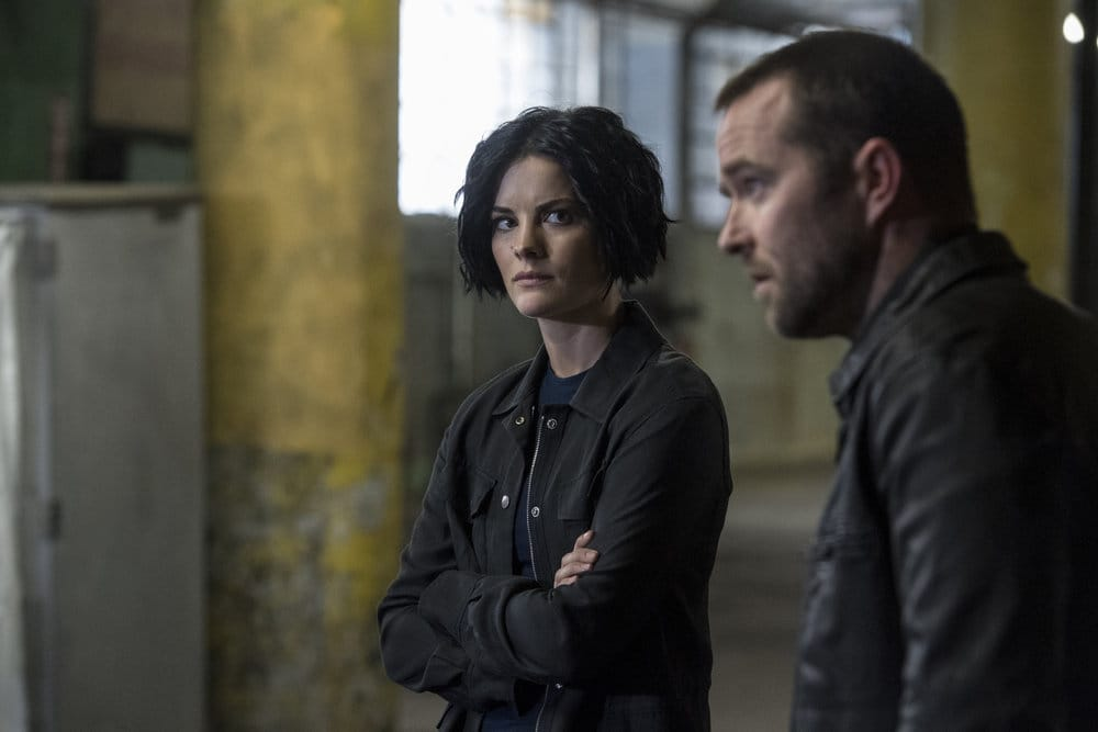 "BLINDSPOT -- ""Do Not Slack, the Featherweight Wins"" Episode 208 -- Pictured: (l-r) Jaimie Alexander as Jane Doe, Sullivan Stapleton as Kurt Weller -- (Photo by: David Giesbrecht/Warner Bros/NBC)"