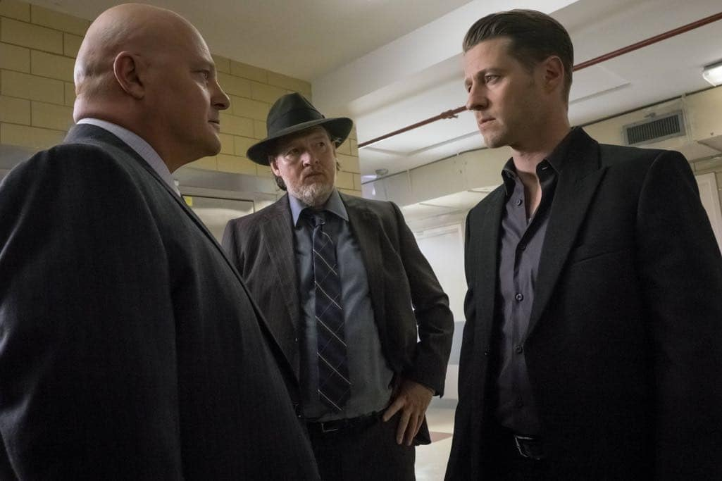 "GOTHAM: L-R: Michael Chiklis, Donal Logue and Ben McKenzie in the ""Mad City: Red Queen"" episode of GOTHAM airing Monday, Oct. 31 (8:00-9:01 PM ET/PT) on FOX. ©2016 Fox Broadcasting Co. Cr: Jeff Neumann/FOX."