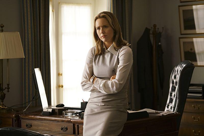 Madam secretary season episode photos the dissent memo seat f