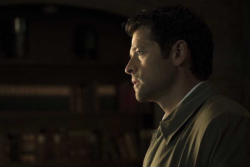 """Supernatural -- """"The Foundry"""" -- SN1203b_0048.jpg -- Pictured: Misha Collins as Castiel -- Photo: Katie Yu/The CW -- © 2016 The CW Network, LLC. All Rights Reserve"""
