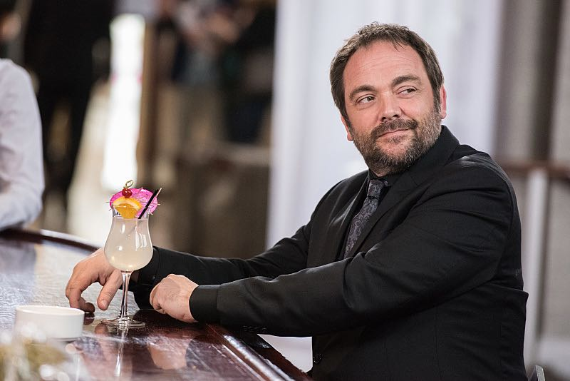 """Supernatural -- """"The Foundry"""" -- SN1203a_0128.jpg -- Pictured: Mark Sheppard as Crowley -- Photo: Dean Buscher/The CW -- © 2016 The CW Network, LLC. All Rights Reserved"""