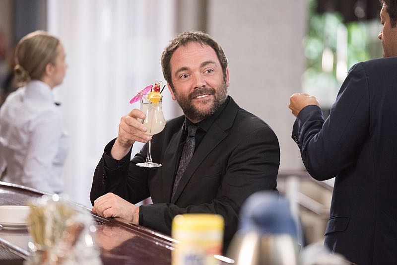 """Supernatural -- """"The Foundry"""" -- SN1203a_0113.jpg -- Pictured: Mark Sheppard as Crowley -- Photo: Dean Buscher/The CW -- © 2016 The CW Network, LLC. All Rights Reserved"""