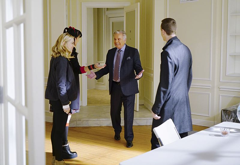 """Home of the Brave"" -- Torres boldly breaks protocol when he learns a witness in an NCIS case is wanted by U.S. Immigration and Customs Enforcement. Also, Abby, Bishop and McGee woo landlord Tony DiNozzo Sr. (Robert Wagner) in the hope of subletting Tony's apartment, on NCIS, Tuesday, Nov. 1 (8:00-9:00 PM, ET/PT), on the CBS Television Network. Pictured: Emily Wickersham, Pauley Perrette, Robert Wagner, Sean Murray. Photo: Sonja Flemming/CBS ©2016 CBS Broadcasting, Inc. All Rights Reserved"