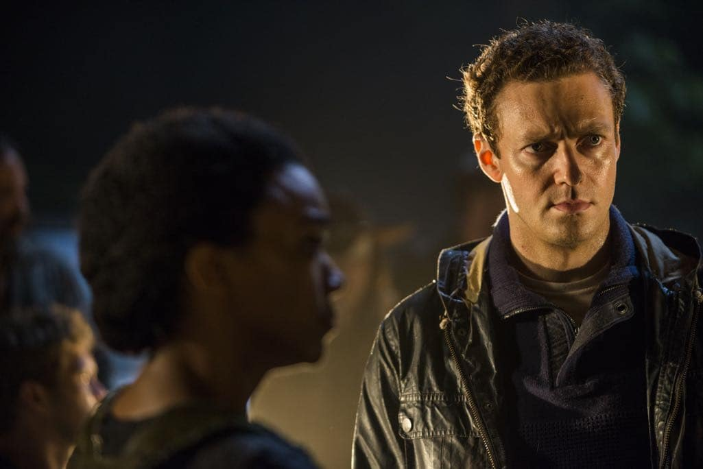 >>> NOT TO BE USED UNTIL 10/24/16 at 1:00 AM EST <<< Ross Marquand as Aaron, Sonequa Martin-Green as Sasha Williams - The Walking Dead _ Season 7, Episode 1 - Photo Credit: Gene Page/AMC