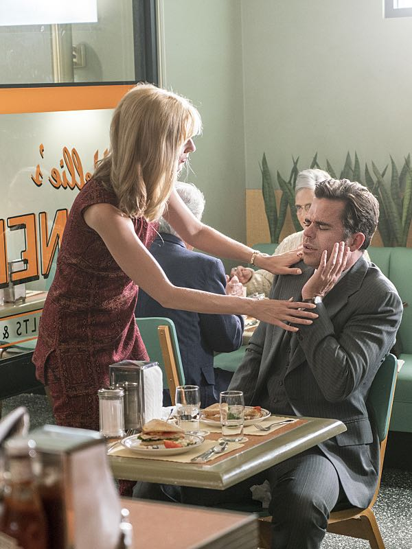 Caitlin Fitzgerald as Libby Masters and David Walton as Abe Perlman in Masters of Sex (season 4, episode 8) - Photo: Warren Feldman/SHOWTIME - Photo ID: MastersofSex_408_0710
