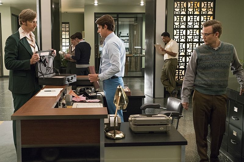Teddy Sears as Dr. Austin Langham, Nick Clifford as Guy and Kevin Christy as Lester in Masters of Sex (season 4, episode 8) - Photo: Warren Feldman/SHOWTIME- Photo ID: MastersofSex_408_0444