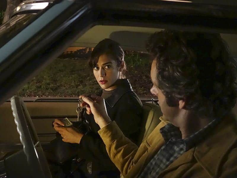 Lizzy Caplan as Virginia Johnson and Michael Sheen as Dr. William Masters in Masters of Sex (season 4, episode 8) - Photo: Warren Feldman/SHOWTIME - Photo ID: MastersofSex_408_0125