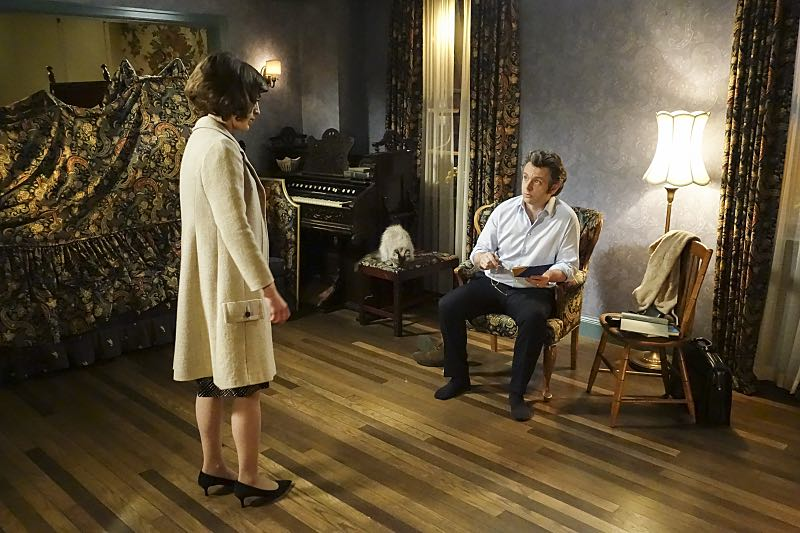 Lizzy Caplan as Virginia Johnson and Michael Sheen as Dr. William Masters in Masters of Sex (season 4, episode 7) - Photo: Warren Feldman/SHOWTIME - Photo ID: MastersofSex_407_0439