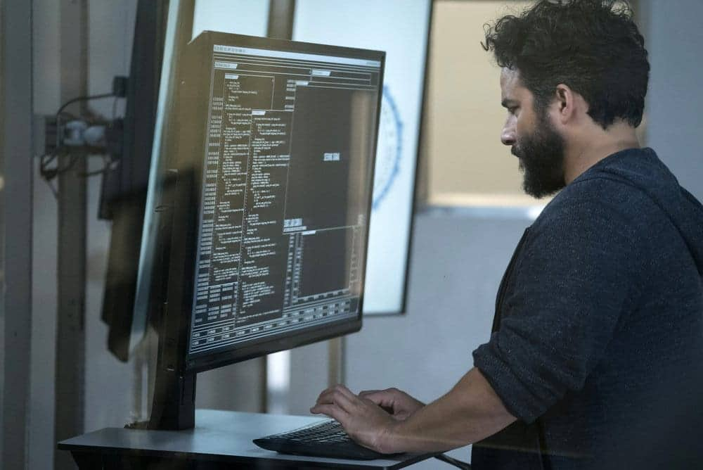 "BLINDSPOT -- ""Resolves Eleven Myths"" Episode 207 -- Pictured: Ennis Esmer as RichDot Com -- (Photo by: Virginia Sherwood/NBC)"