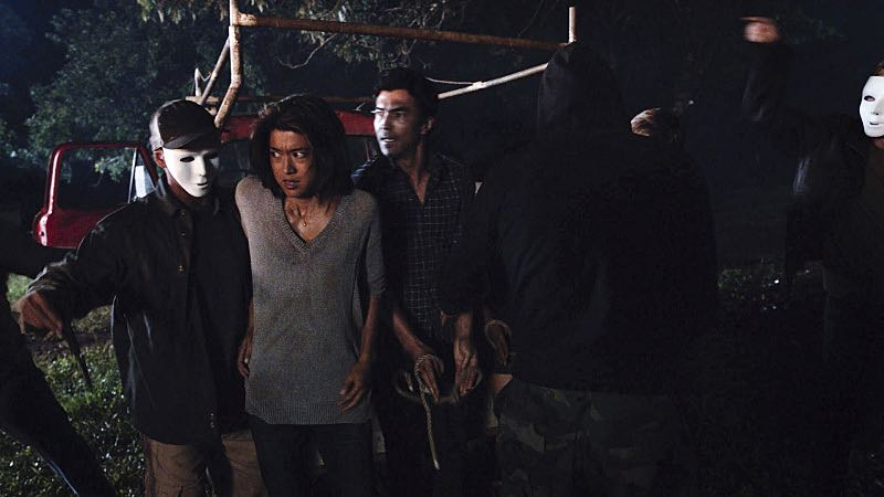 """""""Ka hale ho'okauweli"""" -- On Halloween, Five-0 investigates the murder of a medium with a checkered past who was apparently scared to death by a poltergeist. Also, Kono and Adam are kidnapped by what appears to be a death cult, on HAWAII FIVE-0, Friday, Oct. 28 (9:00-10:00 PM, ET/PT), on the CBS Television Network. Pictured left ro right: Grace Park as Kono Kalakaua and Ian Anthony Dale as Adam Noshimuri. Photo: CBS ©2016 CBS Broadcasting, Inc. All Rights Reserved"""
