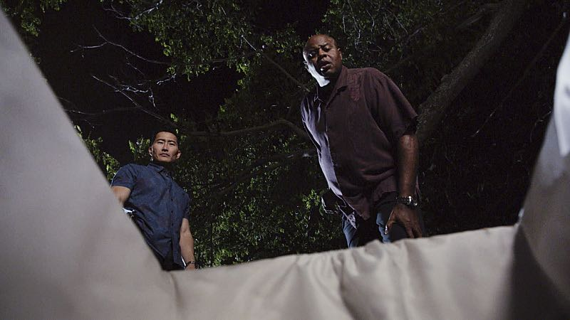 """""""Ka hale ho'okauweli"""" -- On Halloween, Five-0 investigates the murder of a medium with a checkered past who was apparently scared to death by a poltergeist. Also, Kono and Adam are kidnapped by what appears to be a death cult, on HAWAII FIVE-0, Friday, Oct. 28 (9:00-10:00 PM, ET/PT), on the CBS Television Network. Pictured left to right: Daniel Dae Kim as Chin Ho Kelly and Chi McBride as Lou Grover. Photo: CBS ©2016 CBS Broadcasting, Inc. All Rights Reserved"""