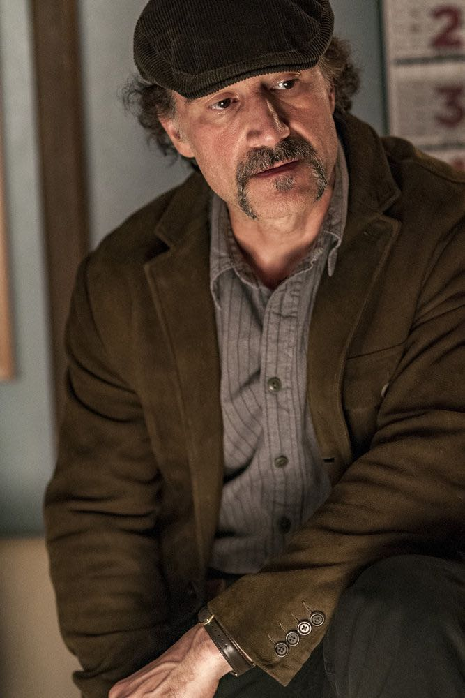"CHICAGO P.D. -- ""Skin in the Game"" Episode 406 -- Pictured: Elias Koteas as Alvin Olinsky -- (Photo by: Matt Dinerstein/NBC)"