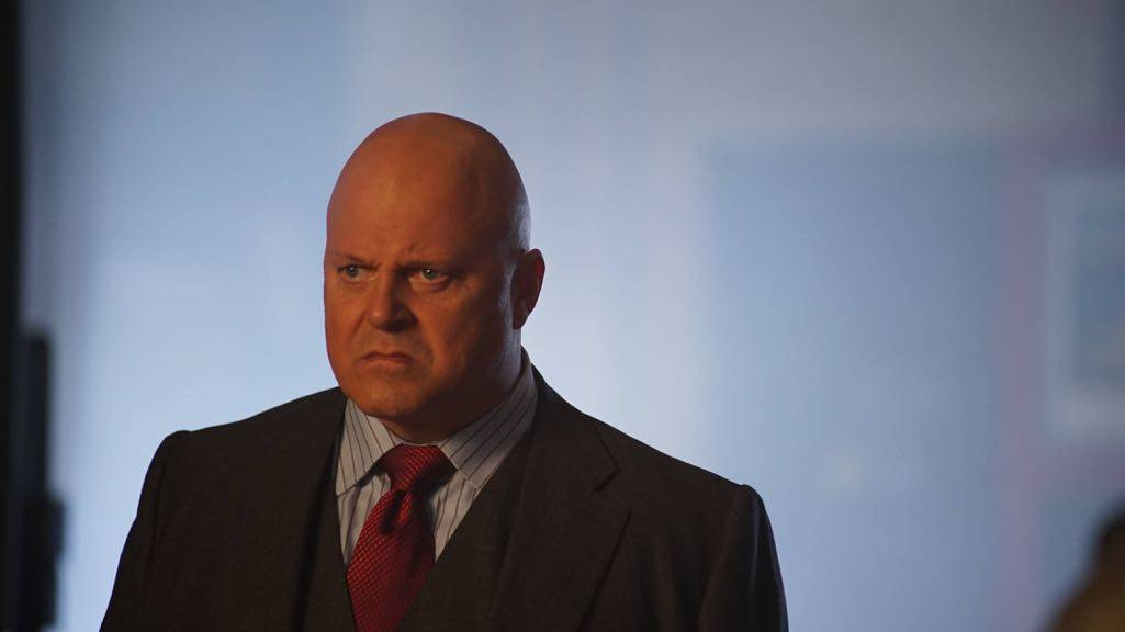 """GOTHAM: Michael Chiklis in the """"Mad City: Follow the White Rabbit"""" episode of GOTHAM airing Monday, Oct. 24 (8:00-9:01 PM ET/PT) on FOX. ©2016 Fox Broadcasting Co. Cr: Nicole Rivelli/FOX."""