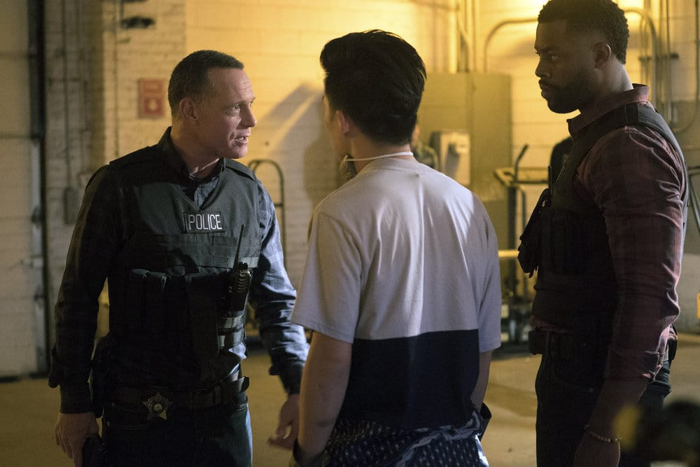 "CHICAGO P.D. -- ""A War Zone"" Episode 404 -- Pictured: (l-r) Jason Beghe as Hank Voight, LaRoyce Hawkins as Kevin Atwater -- (Photo by: Elizabeth Sisson/NBC)"