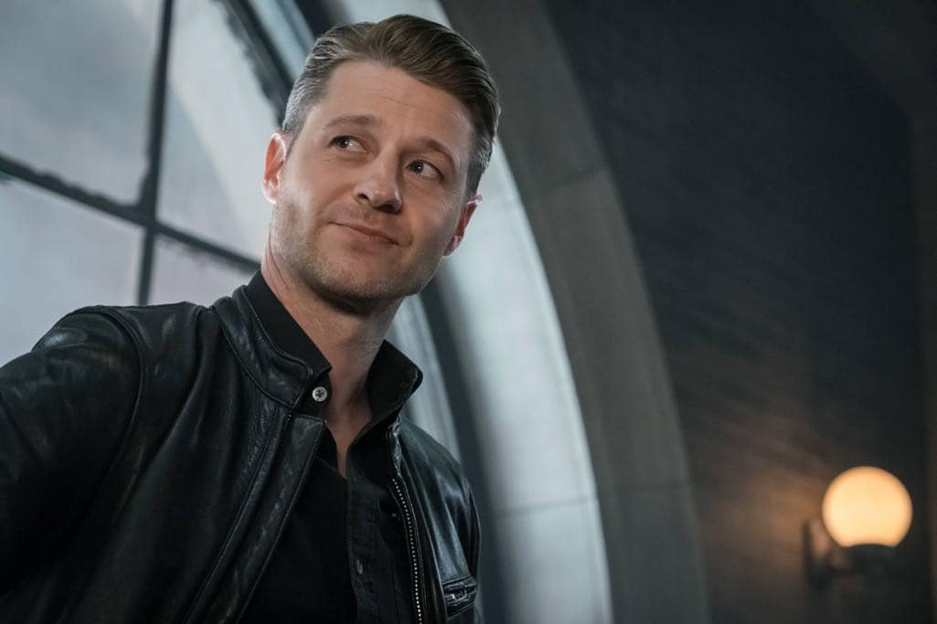 "GOTHAM: Benjamin McKenzie in the""Mad City: Anything For You"" episode of GOTHAM airing Monday, Oct. 17 (8:00-9:01 PM ET/PT) on FOX. ©2016 Fox Broadcasting Co. Cr: Jeff Neumann/FOX."