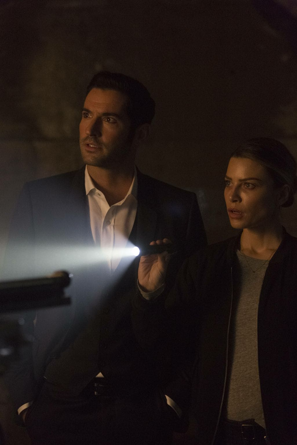 """LUCIFER: L-R: Tom Ellis and Lauren German in the """"Sin-Eater"""" episode of LUCIFER airing Monday, Oct. 10 (9:01-10:00 PM ET/PT) on FOX. ©2016 Fox Broadcasting Co. Cr: Michael Courtney/FOX."""