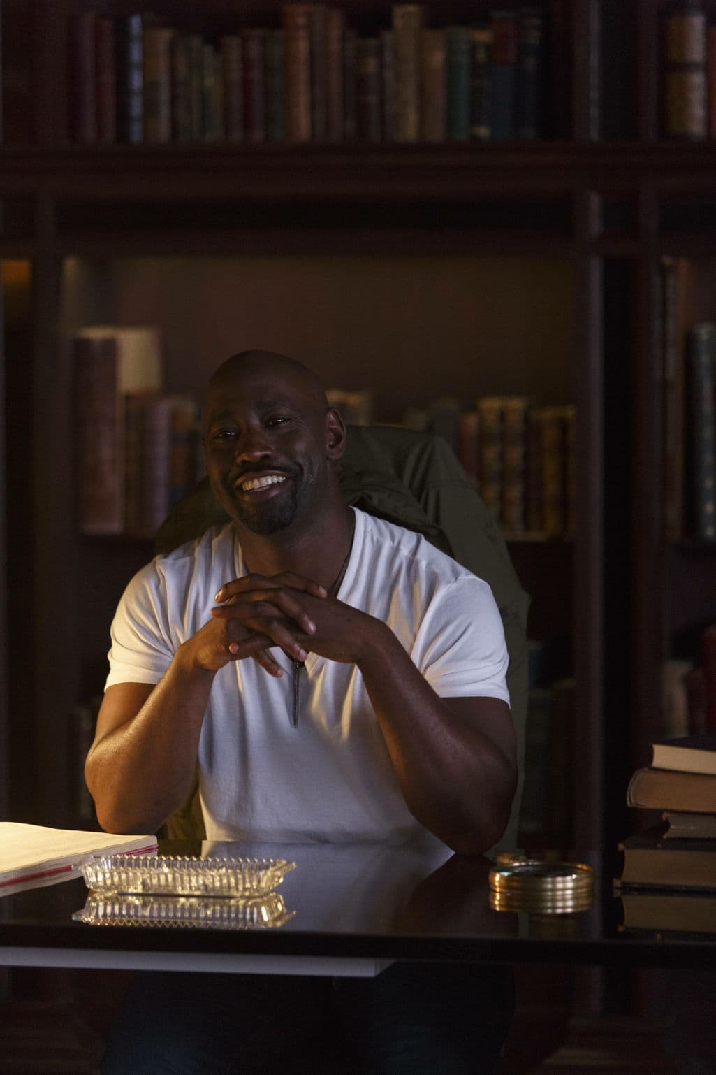 """LUCIFER: DB Woodside in the """"Sin-Eater"""" episode of LUCIFER airing Monday, Oct. 10 (9:01-10:00 PM ET/PT) on FOX. ©2016 Fox Broadcasting Co. Cr: Michael Courtney/FOX."""