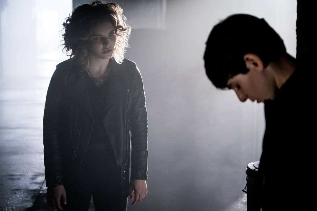 "GOTHAM: L-R: Camren Bicondova and David Mazouz in the""Mad City: New Day Rising"" episode of GOTHAM airing Monday, Oct. 10 (8:00-9:01 PM ET/PT) on FOX. ©2016 Fox Broadcasting Co. Cr: Jessica Miglio/FOX."