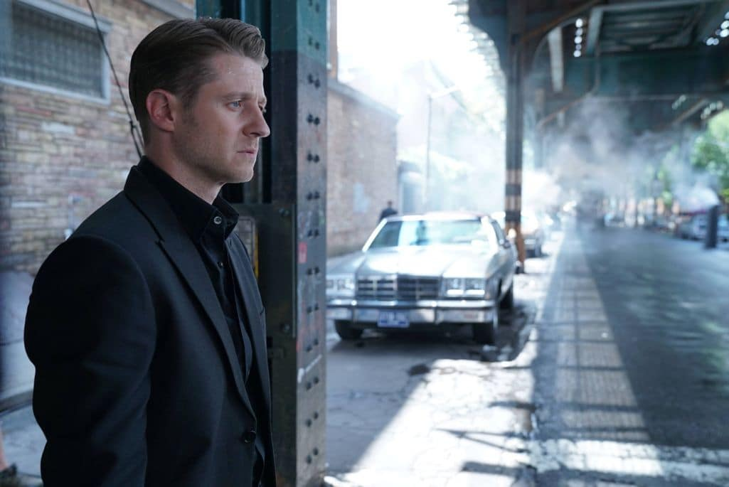 "GOTHAM: Ben McKenzie in the""Mad City: New Day Rising"" episode of GOTHAM airing Monday, Oct. 10 (8:00-9:01 PM ET/PT) on FOX. ©2016 Fox Broadcasting Co. Cr: Jessica Miglio/FOX."