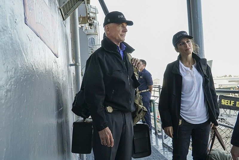 """Love Boat"" -- After the body of a navy lieutenant is discovered aboard a destroyer during a tiger cruise, when civilian guests are allowed to spend the night on the ship, Gibbs, Quinn and Palmer travel out to sea to investigate. Also, McGee contemplates the perfect proposal for Delilah Fielding (Margo Harshman), on NCIS, Tuesday, Oct. 11 (8:00-9:00 PM, ET/PT), on the CBS Television Network. Pictured: Mark Harmon, Jennifer Esposito.. Photo: Bill Inoshita/CBS ©2016 CBS Broadcasting, Inc. All Rights Reserved"