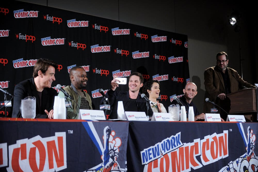 "NEW YORK COMIC CON 2016 -- ""Timeless"" Panel -- Pictured: (l-r) Goran Visnjic, Malcolm Barrett, Matt Lanter, Abigail Spencer, Executive Producer Eric Kripke, moderator Alan Sepinwall on Sunday, October 9, 2016 from the Javits Center in New York, NY -- (Photo by: Brad Barket/NBC)"