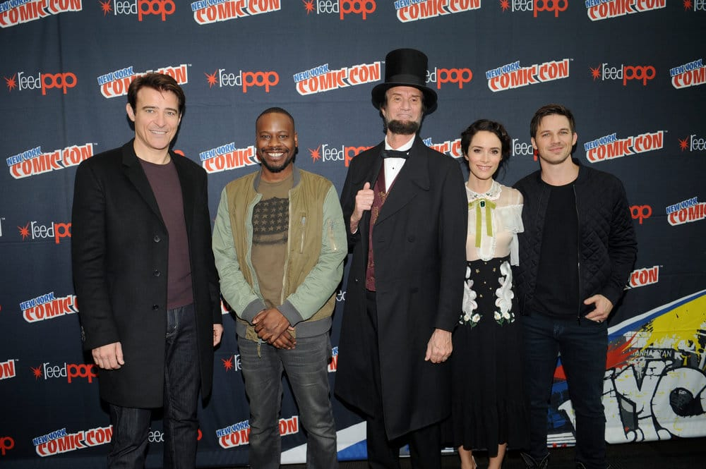 "NEW YORK COMIC CON 2016 -- ""Timeless"" Press Room -- Pictured: (l-r) Goran Visnjic, Malcolm Barrett, Michael Krebs as Abraham Lincoln, Abigail Spencer, Matt Lanter on Sunday, October 9, 2016 from the Javits Center in New York, NY -- (Photo by: Brad Barket/NBC)"
