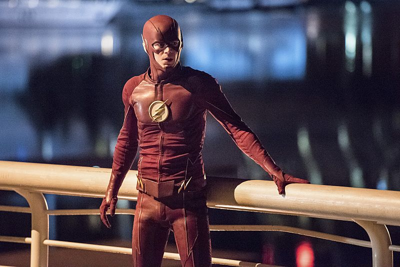 "The Flash -- ""Paradox"" -- Image: FLA302a_0425b.jpg -- Pictured: Grant Gustin as The Flash -- Photo: Dean Buscher/The CW -- © 2016 The CW Network, LLC. All rights reserved."