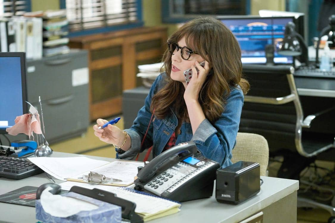 """NEW GIRL: Zooey Deschanel in the special """"Homecoming"""" NEW GIRL/BROOKLYN NINE-NINE crossover episode of NEW GIRL airing Tuesday, Oct. 11 (8:31-9:01 PM ET/PT) on FOX. ©2015 Fox Broadcasting Co. Cr: Adam Taylor/FOX"""