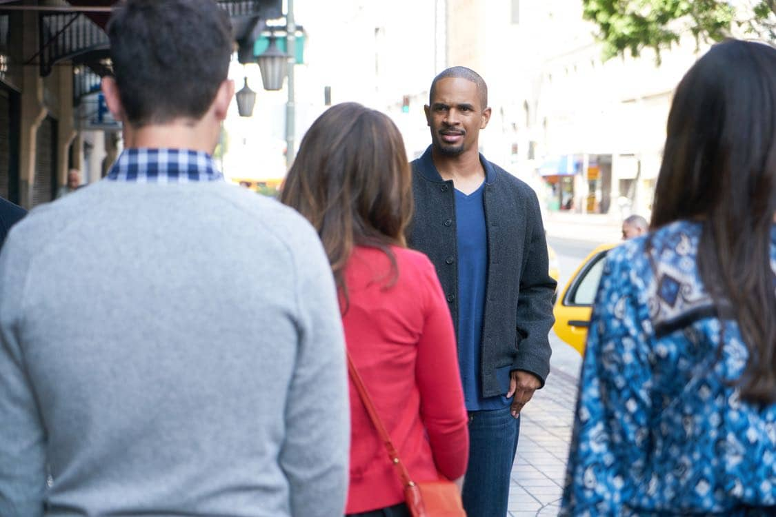 """NEW GIRL: Guest star Damon Wayans, Jr. in the special """"Homecoming"""" NEW GIRL/BROOKLYN NINE-NINE crossover episode of NEW GIRL airing Tuesday, Oct. 11 (8:31-9:01 PM ET/PT) on FOX. ©2015 Fox Broadcasting Co. Cr: Adam Taylor/FOX"""