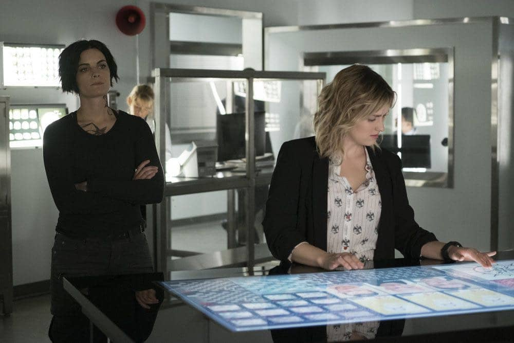"""BLINDSPOT -- """"Condone Untidiest Thefts"""" Episode 205 -- Pictured: (l-r) Jaimie Alexander as Jane Doe, Ashley Johnson as Patterson -- (Photo by: Peter Kramer/NBC)"""