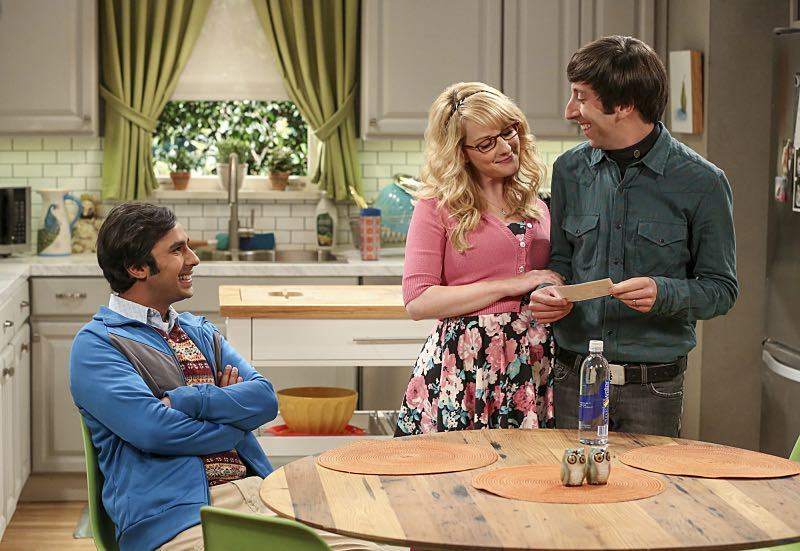 """""""The Cohabitation Experimentation"""" -- Pictured: Rajesh Koothrappali (Kunal Nayyar), Bernadette (Melissa Rauch) and Howard Wolowitz (Simon Helberg). When Amy's apartment floods, she proposes a """"cohabitation experiment"""" with Sheldon. Also, Howard and Bernadette are upset when Koothrappali learns the gender of the baby before them, on THE BIG BANG THEORY, Monday, Oct. 10 (8:00-8:31 PM, ET/PT), on the CBS Television Network. Photo: Michael Yarish/Warner Bros. Entertainment Inc. © 2016 WBEI. All rights reserved."""
