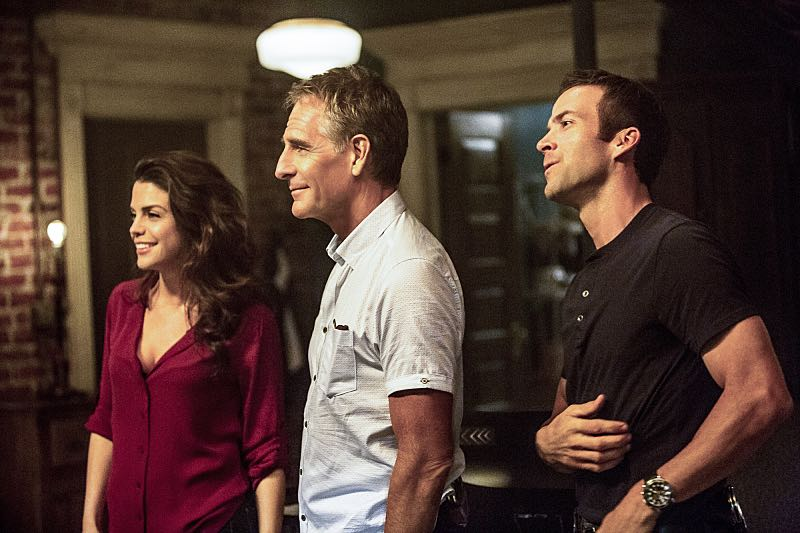 """""""Escape Plan"""" -- The NCIS team must rescue one of their own after Sebastian is kidnapped while at a restaurant with his mother, Sylvia Lund, and forced to use his gaming skills in a prison break, on NCIS: New Orleans, Tuesday, Oct. 18 (10:00-11:00, ET/PT), on the CBS Television Network. Pictured L-R: Vanessa Ferlito as FBI Special Agent Tammy Gregorio, Scott Bakula as Special Agent Dwayne Pride, and Lucas Black as Special Agent Christopher LaSalle Photo: Skip Bolen/CBS ©2016 CBS Broadcasting, Inc. All Rights Reserved"""