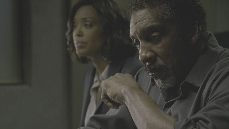 """""""Mirror Image"""" -- The BAU team opens an investigation when a man who fully believes he's Dr. Tara Lewis' (Aisha Tyler) brother arrives in town, knowing everything about her and her family, and she is unable to make contact with her real sibling, on CRIMINAL MINDS, Wednesday, Nov. 30 (9:00-10:00 PM, ET/PT), on the CBS Television Network. Series star Joe Mantegna directed the episode. Pictured: Aisha Tyler (Dr. Tara Lewis), Stan Shaw (Albert Lewis) Photo: CBS ©2016 CBS Broadcasting, Inc. All Rights Reserved"""