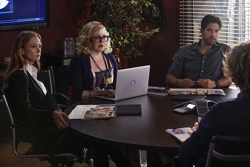 """""""Mirror Image"""" -- The BAU team opens an investigation when a man who fully believes he's Dr. Tara Lewis' (Aisha Tyler) brother arrives in town, knowing everything about her and her family, and she is unable to make contact with her real sibling, on CRIMINAL MINDS, Wednesday, Nov. 30 (9:00-10:00 PM, ET/PT), on the CBS Television Network. Series star Joe Mantegna directed the episode. Pictured: A.J. Cook (Jennifer """"JJ"""" Jareau), Kirsten Vangsness (Penelope Garcia), Adam Rodriguez (Luke Alvez) Photo: Robert Voets/CBS ©2016 CBS Broadcasting, Inc. All Rights Reserved"""