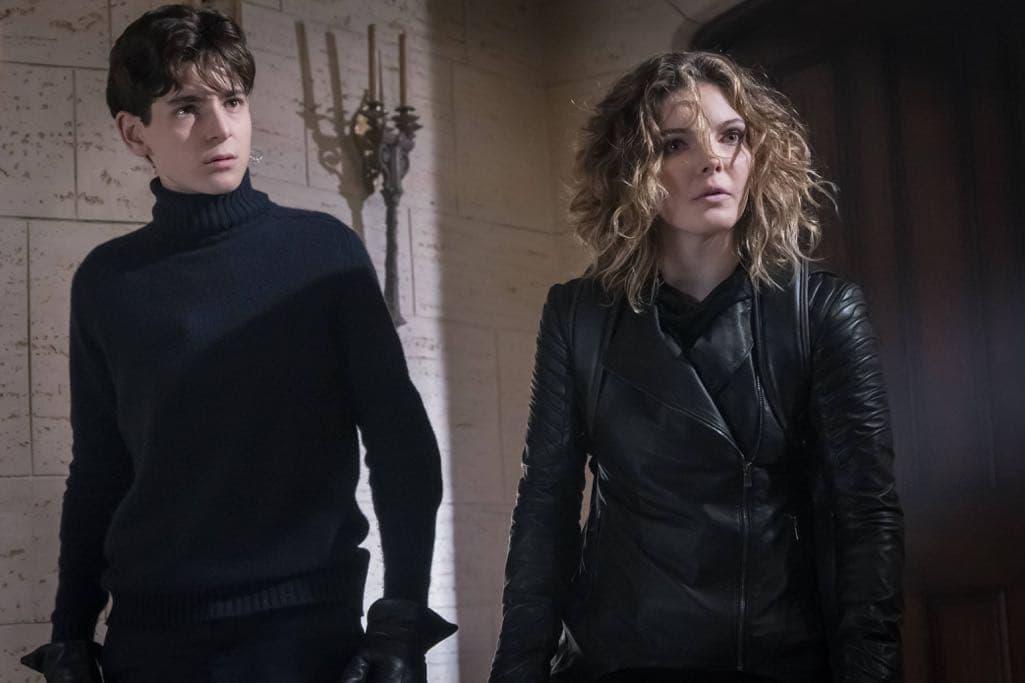 "GOTHAM: L-R: David Mazouz and Camren Bicondova in the ""Mad City: Beware the Green-Eyed Monster"" episode of GOTHAM airing Monday, Nov. 28 (8:00-9:01 PM ET/PT) on FOX. Cr: Jeff Neumann/FOX."