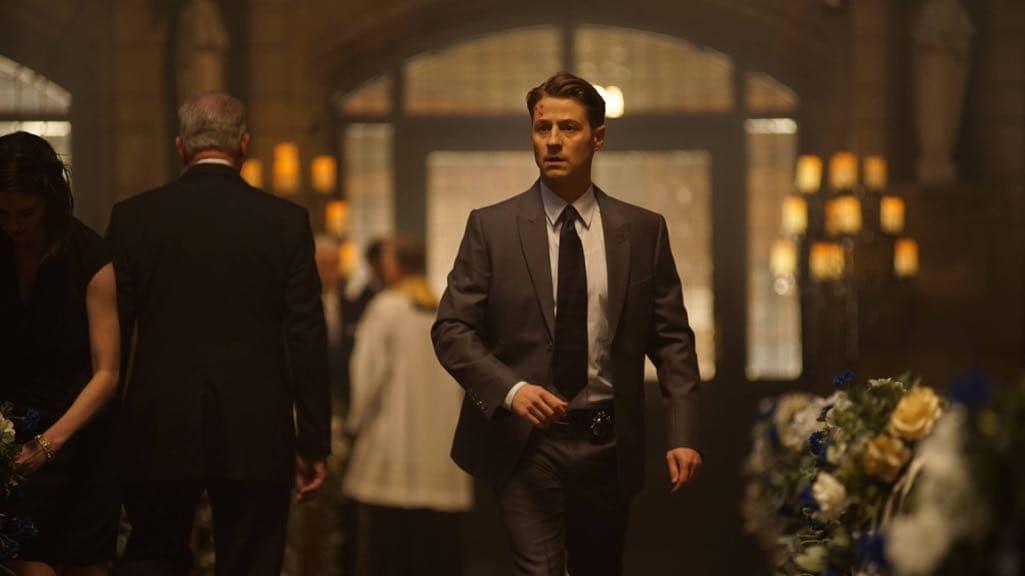 """GOTHAM: Ben McKenzie in the """"Mad City: Beware the Green-Eyed Monster"""" episode of GOTHAM airing Monday, Nov. 28 (8:00-9:01 PM ET/PT) on FOX. Cr: Jeff Neumann/FOX."""